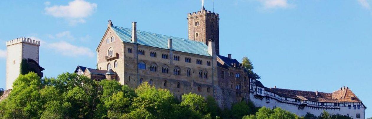 Ferienwohnungen Haus Eveline – Vermietung von erstklassigen Ferienwohnungen in Eisenach unterhalb der Wartburg!